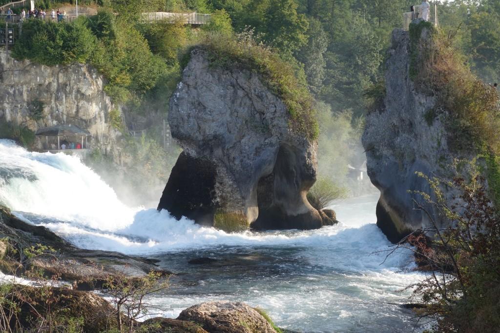 rhine-falls-986798_1920