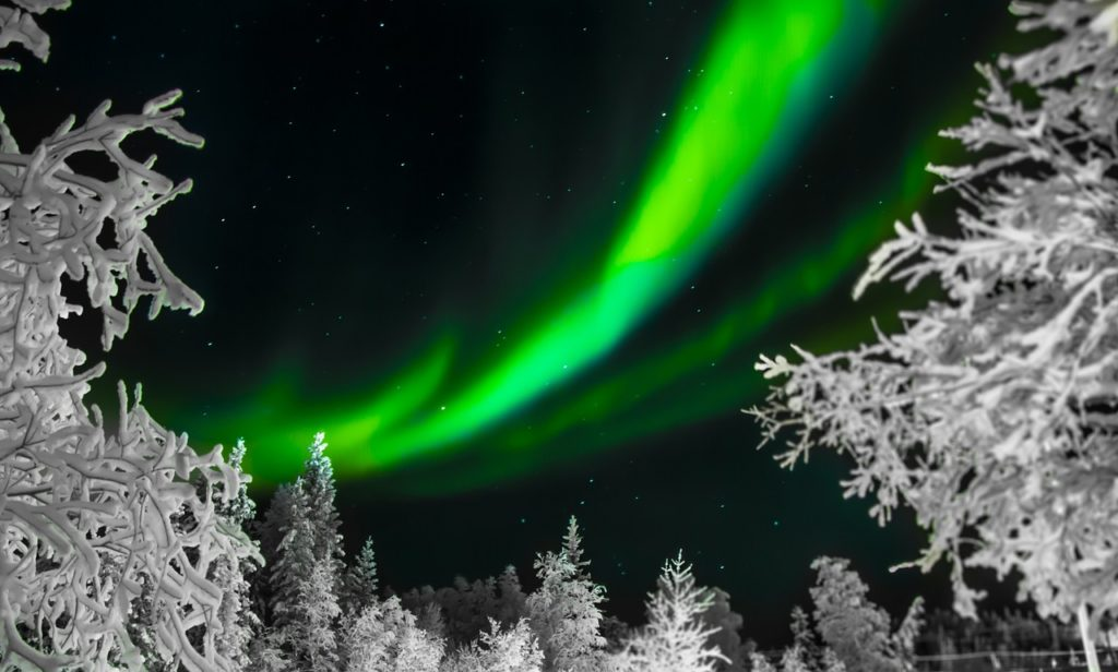 aurora-borealis-1712052_1280
